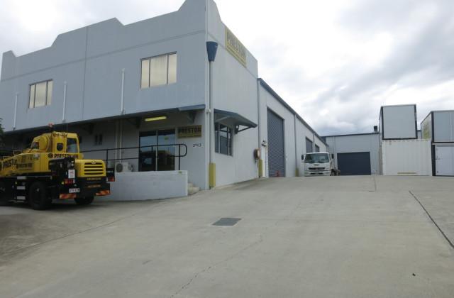 104 Millaroo Drive, HELENSVALE QLD, 4212