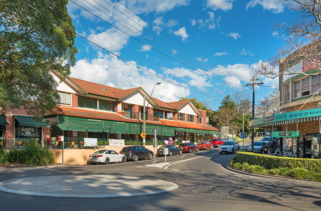 8/2 Redleaf Avenue, WAHROONGA NSW, 2076