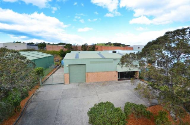 13 Waverley Drive, UNANDERRA NSW, 2526