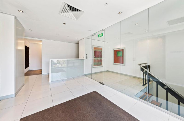 First Floor/11 Palmerston Crescent, SOUTH MELBOURNE VIC, 3205