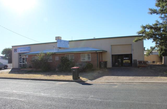 1 Thompson Avenue, MOREE NSW, 2400