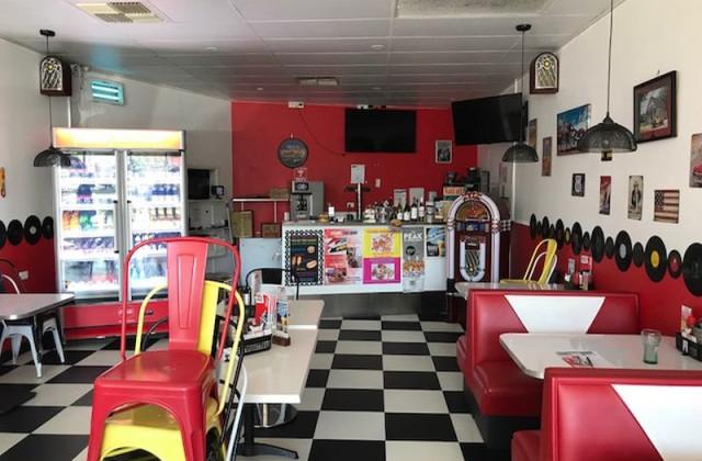 Shop 5/377 Cavendish Road, COORPAROO QLD, 4151
