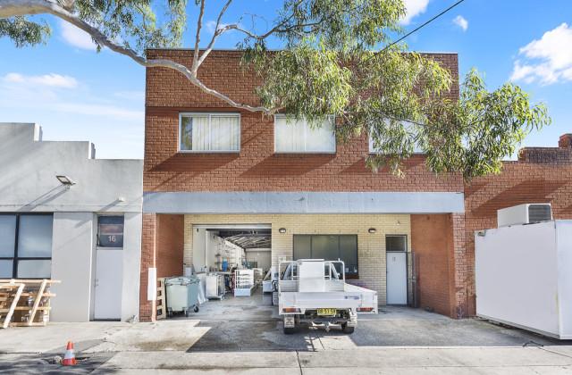 18 FITZROY STREET, MARRICKVILLE NSW, 2204