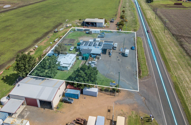 15261 New England Highway, NOBBY QLD, 4360
