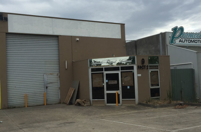 2/9 LASER DRIVE, ROWVILLE VIC, 3178