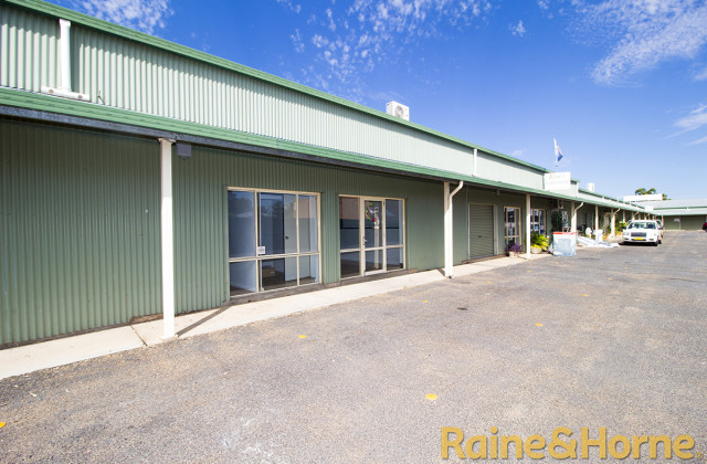 2/12 Young Street, DUBBO NSW, 2830