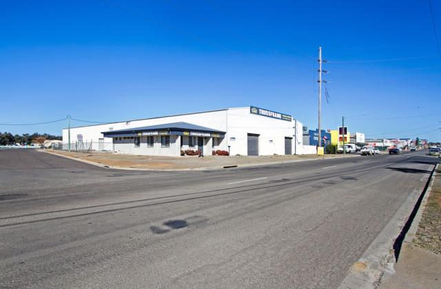 42 - 44 Dampier Street, TAMWORTH NSW, 2340