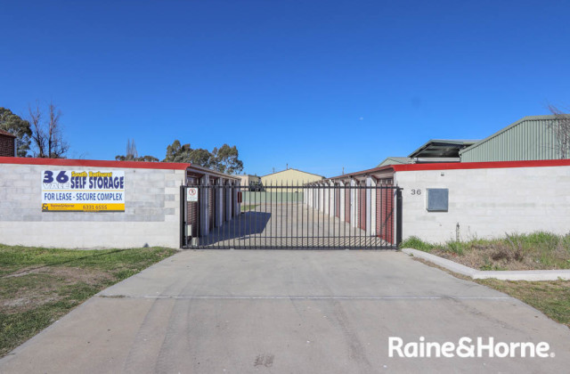36 VALE ROAD, BATHURST NSW, 2795