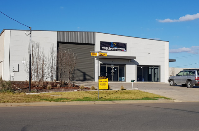 Unit 1, 1 Ball Place, WAGGA WAGGA NSW, 2650