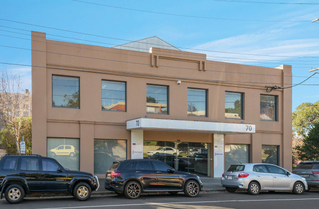 First Floor/70 Yarra Street, HEIDELBERG VIC, 3084