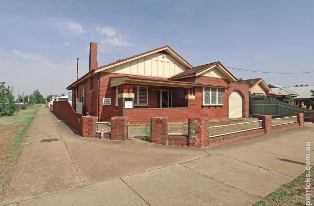 12 Docker Street, WAGGA WAGGA NSW, 2650