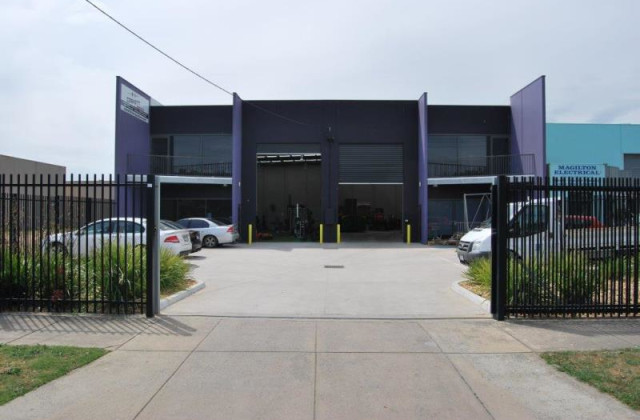 Unit 2/15 Hi-Tech Place, SEAFORD VIC, 3198