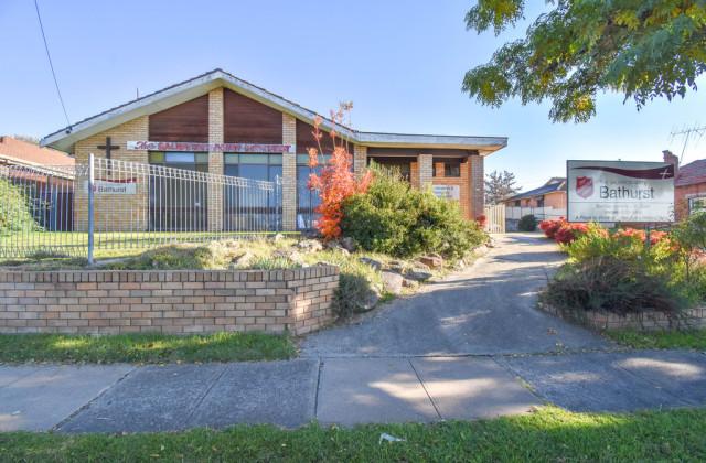 233 Stewart Street, BATHURST NSW, 2795