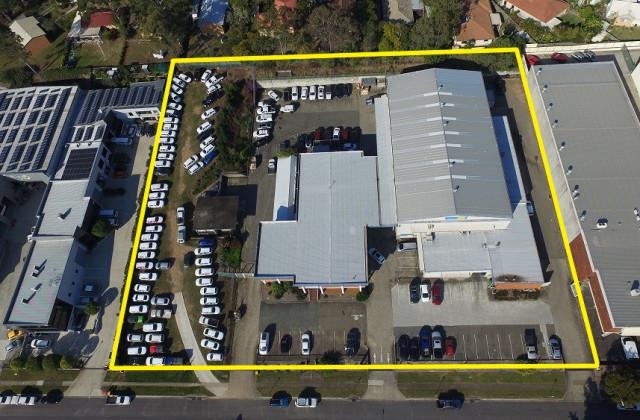 11-15 Dividend Street, MANSFIELD QLD, 4122