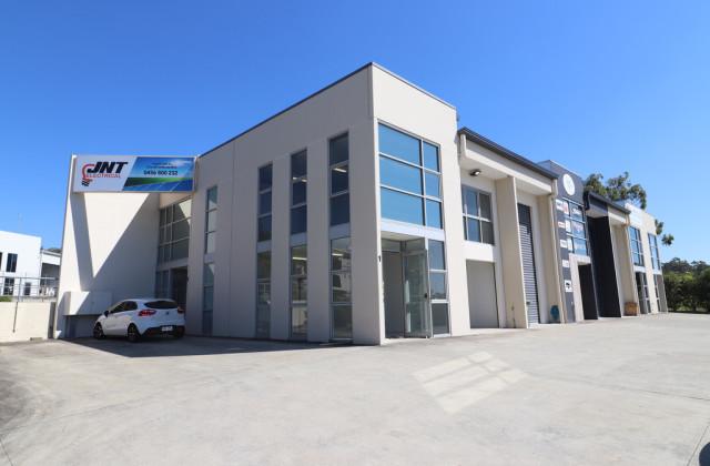 1/3 Millennium Circuit, HELENSVALE QLD, 4212