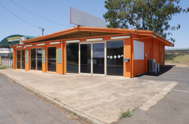 176 Anzac Avenue, HARRISTOWN QLD, 4350