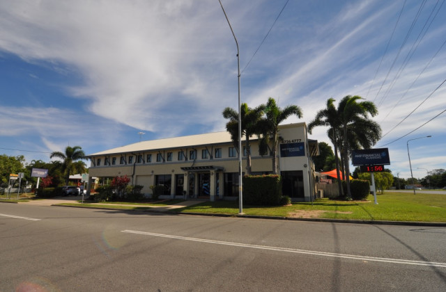Suite 5, 5 Woolcock Street, HYDE PARK QLD, 4812