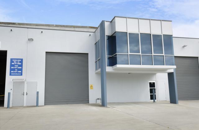 2/7 Luso Drive, UNANDERRA NSW, 2526