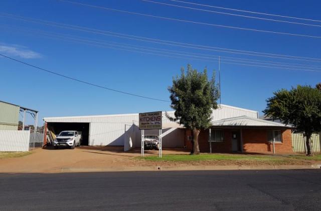 5 Macquarie Drive, NARROMINE NSW, 2821