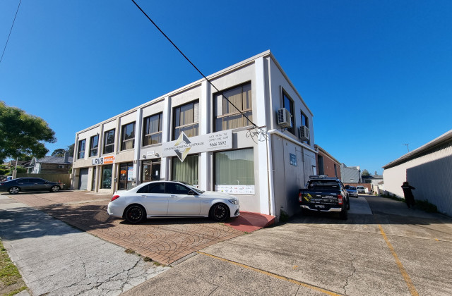 Unit 2/66 Planthurst Rd, CARLTON NSW, 2218