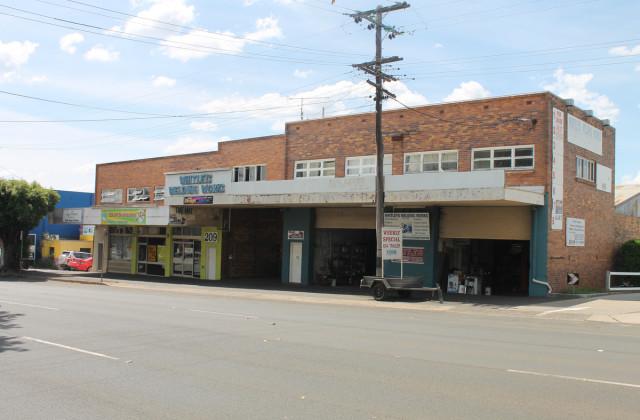 207 - 209 James Street, TOOWOOMBA QLD, 4350