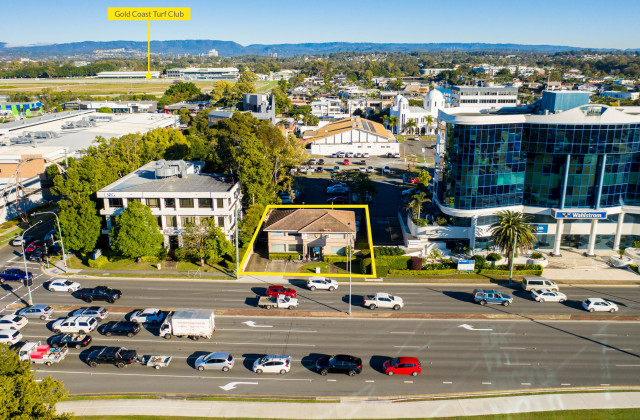 122 Bundall Road, BUNDALL QLD, 4217